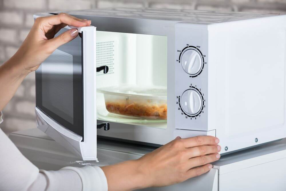 Do Microwaves Cause Cancer And 3 Other Microwave Myths