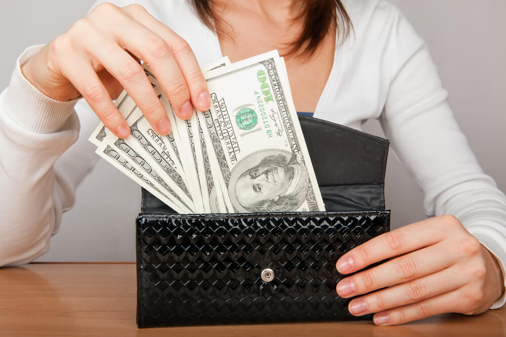 How Much Cash to Carry in Your Wallet