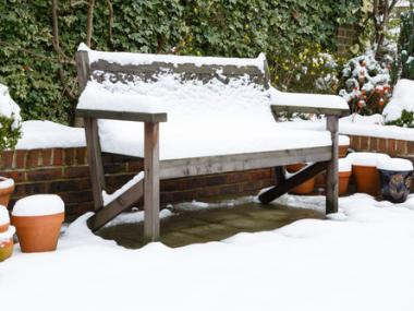 HowtoCleanOutdoorFurnitureafteraLongWinter
