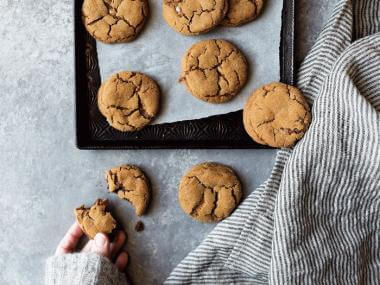 images of freshly baked cookies