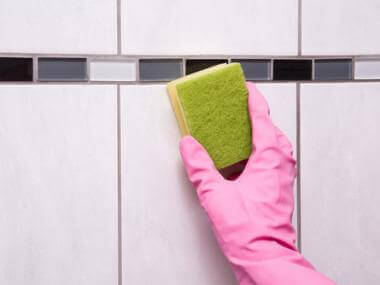 How to Clean Your Walls and Remove Stubborn Stains