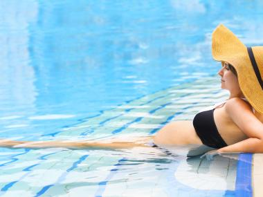 10 Tips For Keeping Cool While Pregnant This Summer