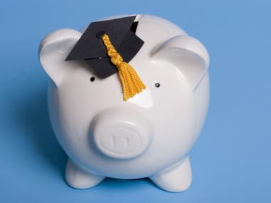 How to Get a Student Loan to Pay for College