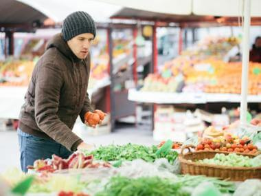 10 Tips to Save Money Shopping at Farmers Markets