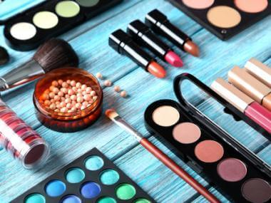 6 Hacks to Simplify Your Makeup Routine