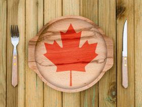 Canadian flag dinner plate