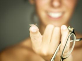 How to Find a Lost Contact Lens