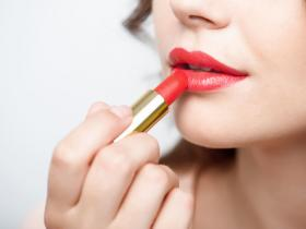 9 Lipstick Hacks That Could Change Your Life