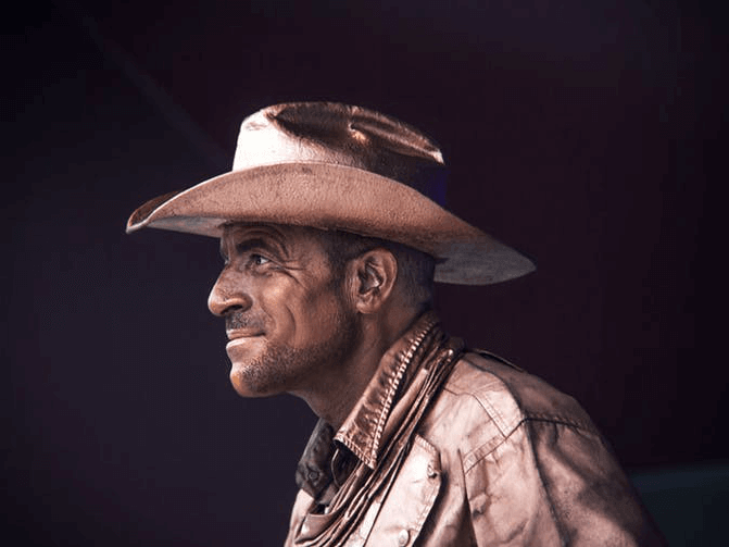 image of Spanish street performer dressed as a cowboy.