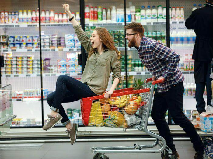 grocery shopping couple