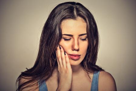 7 Surprising Tips to Soothe Gum Pain