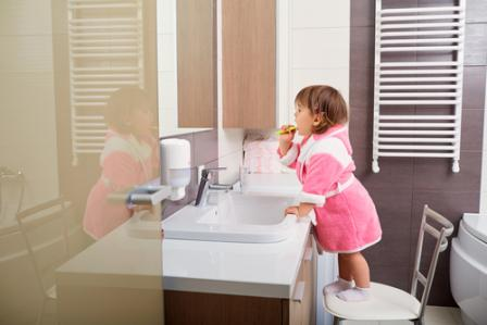 How to establish a daily routine for your family - Salle de bains enfants ...