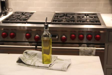 Polish Stainless Steel With Olive Oil