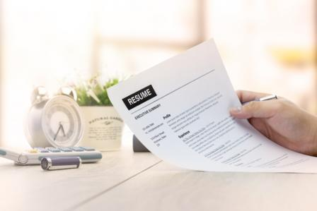 5 resume tips for college seniors - Senior Applications Programmer Resume
